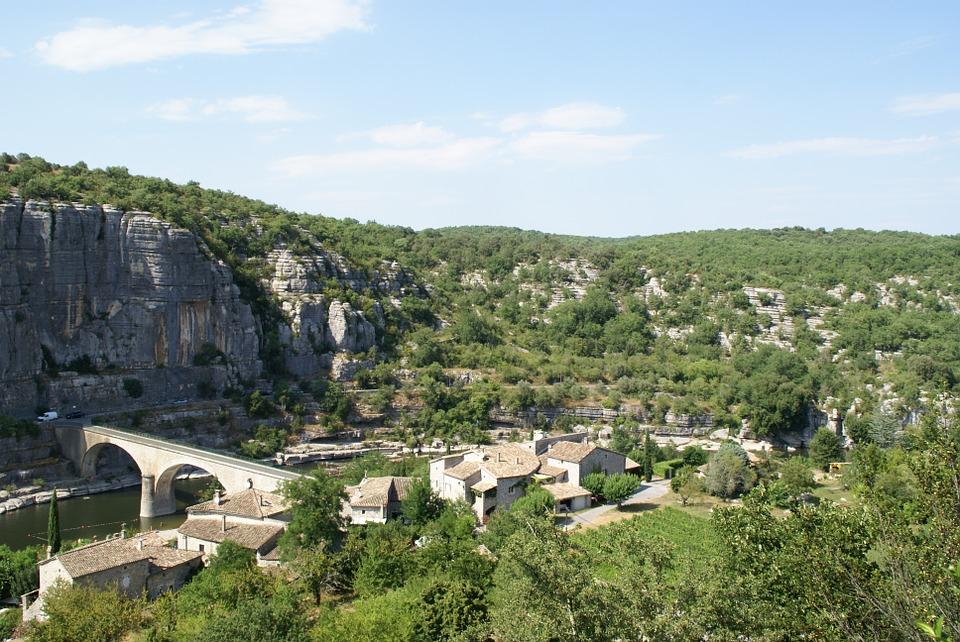 5 villages pittoresques à visiter en Ardèche